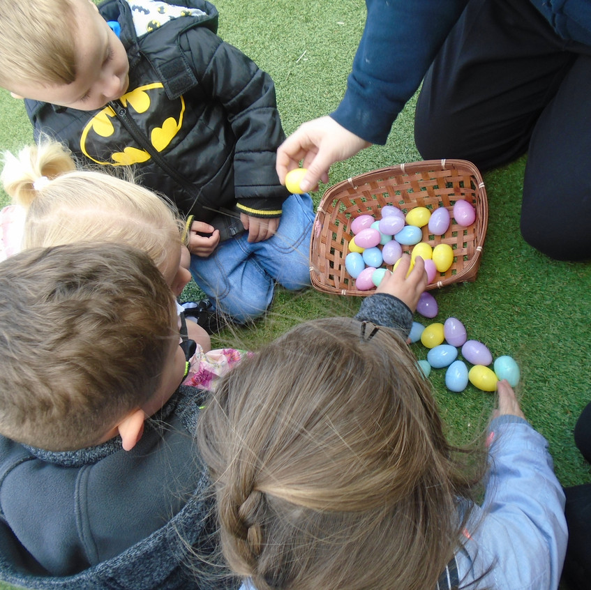 Hemlington Initiative Centre Easter Egg Hunt (13)