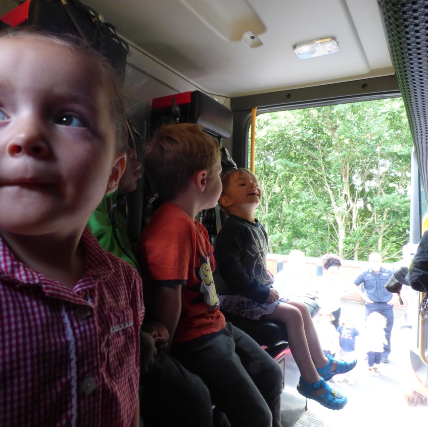 Rosedene Nursery in Hemlington gets Fire Service Visit (15)