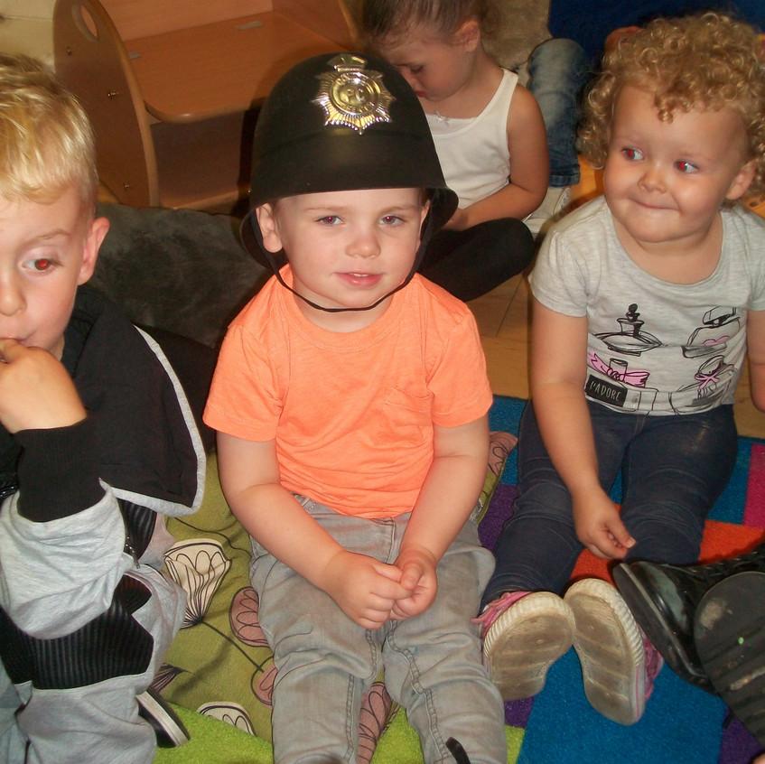 Rosedene at Hemlington Childrens Centre get police visit (3)