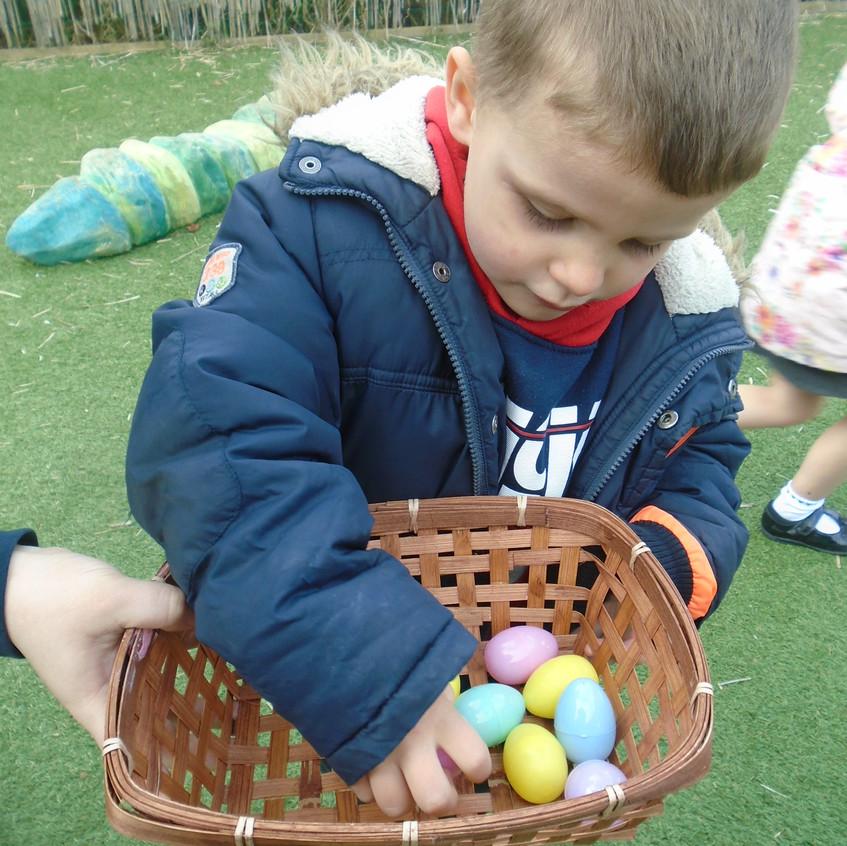 Hemlington Initiative Centre Easter Egg Hunt (5)