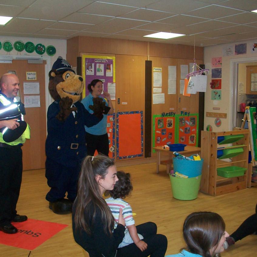 Rosedene at Hemlington Childrens Centre get police visit (5)