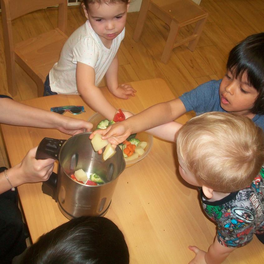 making vegetable soup (16)