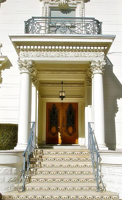 Installations / Bay Area: Exterior
