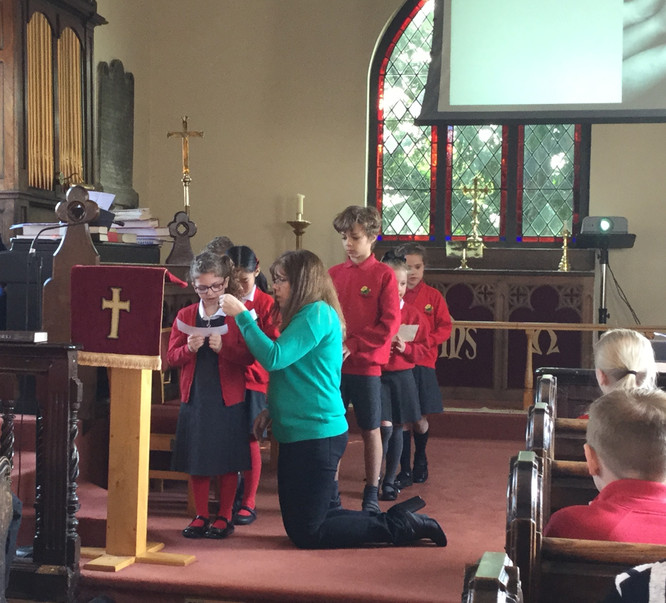 Year 3 and 4 praying for our world