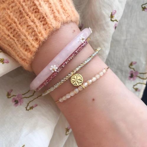 Bracelet résine rose à fleurs