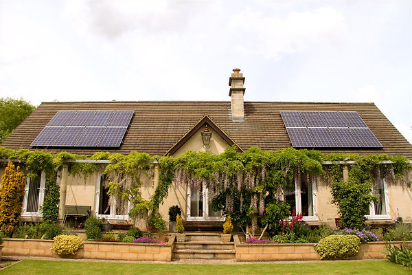 IDDEA domestic installation of an 16 panel system in the South West of England.