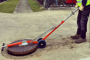 Italifters, Proteus, manholecover lifter