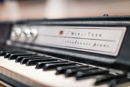 Wurlitzer Vintage Electric Keyboard