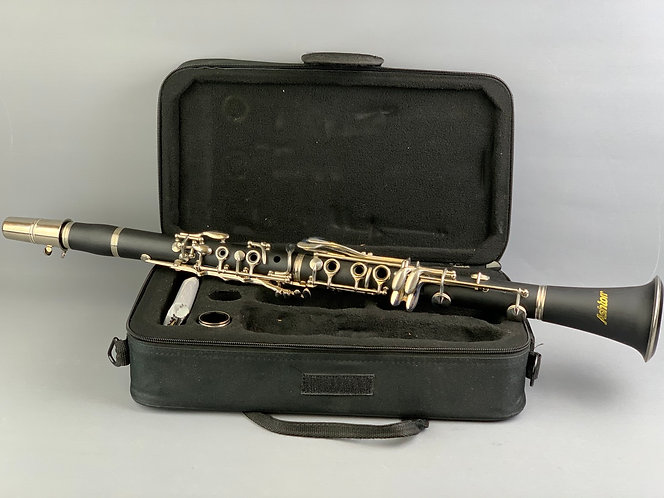 Ashton CL10 Bb Clarinet Outfit: Silver-plated     *Pre-owned*