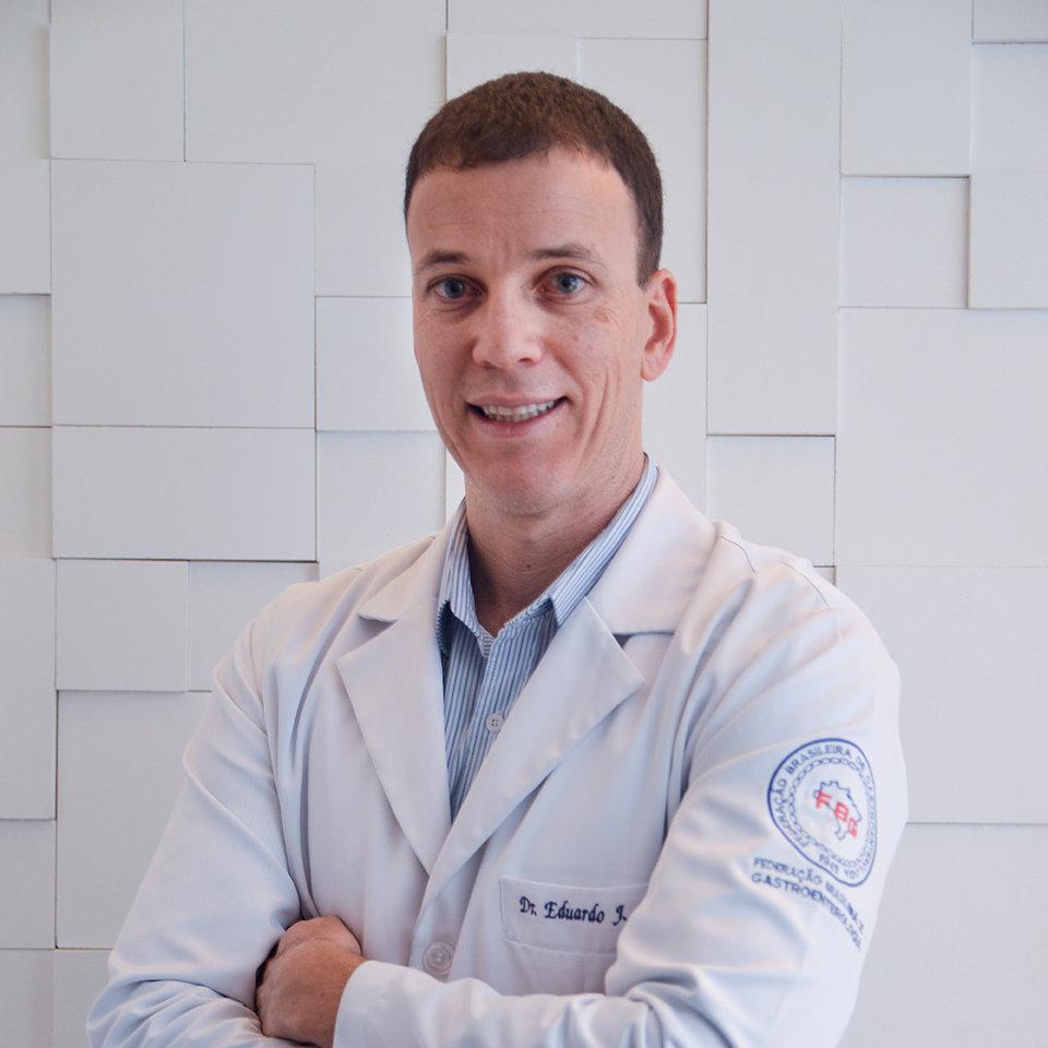 Dr. Eduardo Jurkiv Lobo