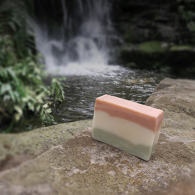 Noctua Soap Co Fountain of Youth Soap French Green Clay Rose Clay Kaolin Clay Geranium Essentil Oil Palmarosa Essential Oil