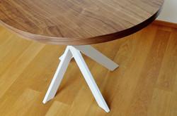 Kulatý stůl TWIST