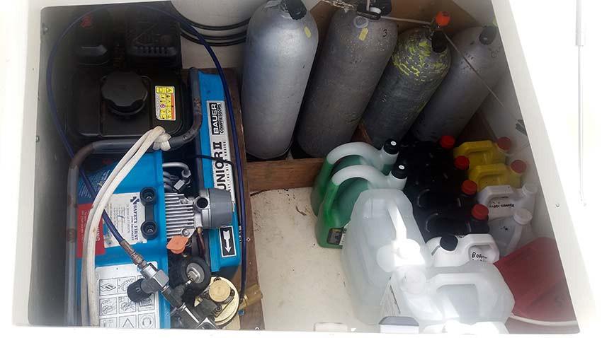Dive-Compressor-in-locker-w-bottles.jpg