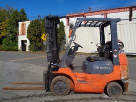 Forklift Toyota 7FGCU25.jpg