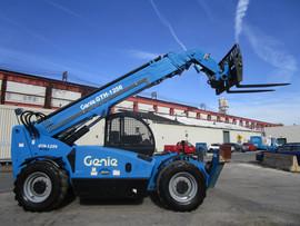 Forklift Genie GTH-1256.jpg
