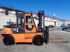 Forklift Doosan G70S-3.jpg