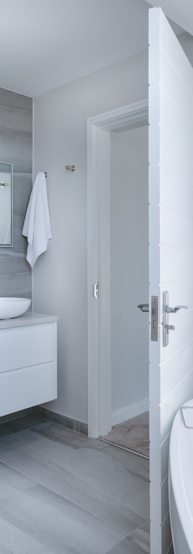 architecture-bathroom-bathtub-1454804.jp