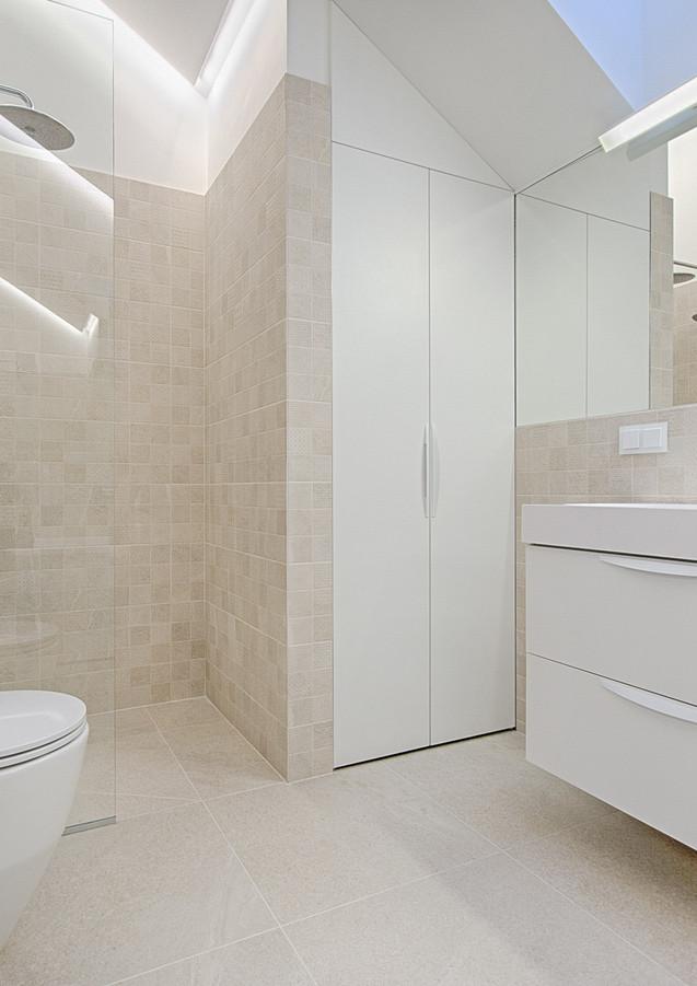 bathroom-cabinet-contemporary-1571462.jp