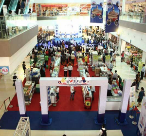 The recently held Korea Week in Vientiane informs visitors about Korean products and culture. --Photo Kotra Vientiane