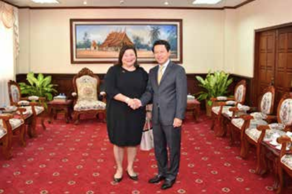 Mr Saleumxay Kommasith receives Singapore Ambassador to Laos Leow Siu Lin when she paid a courtesy visit last week.