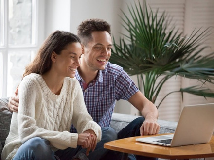 Eleven tips on how to get the most from online couple therapy from home.
