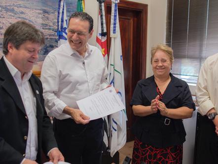Vitor Lippi visita Tietê para anunciar nova Policlínica Médica