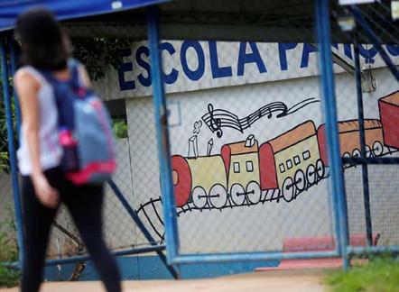 Escolas não precisam cumprir quantidade mínima de dias letivos: MP é aprovada na Câmara