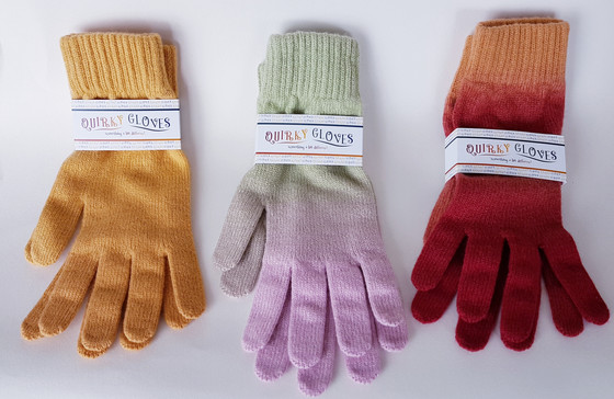 """This weeks spotlight – Robin Deas """"Quirky"""" cashmere scarf and glove sets"""