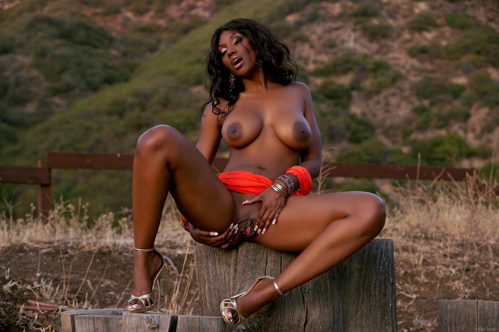 Негритянки сисястые фото, порно крупным планом в колготках