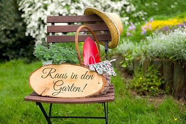 Gartenhilfe | Gärtner | Gartenpflege | Baumschnitt | Gärtner