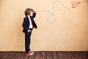 Junge im Anzug | Web Abos | Professionelle Webseiten