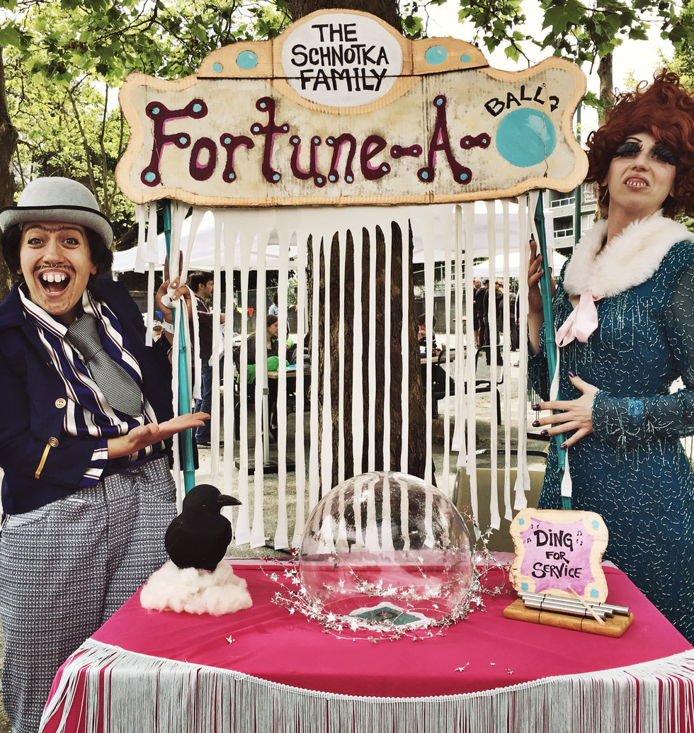 The Schnotka Family Fortune-A-Ball - -  a Fortune telling collaboration with Glitter Gizzard  - Make