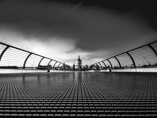 london-1758181_edited.jpg