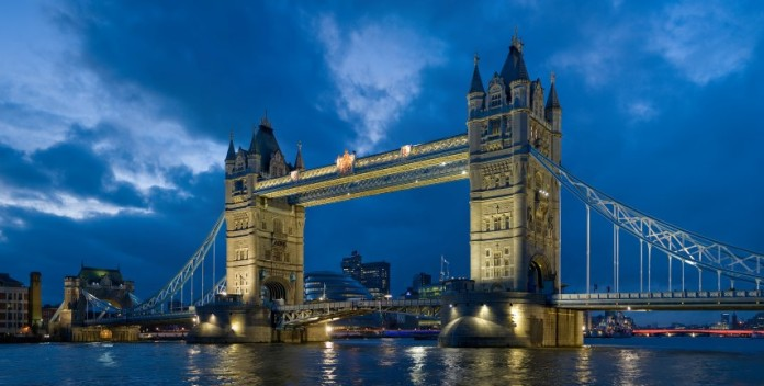 tower-bridge-london-1-696x352