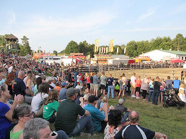Rodeo_Fauquier_Fair_2018_crowd_71218.jpg