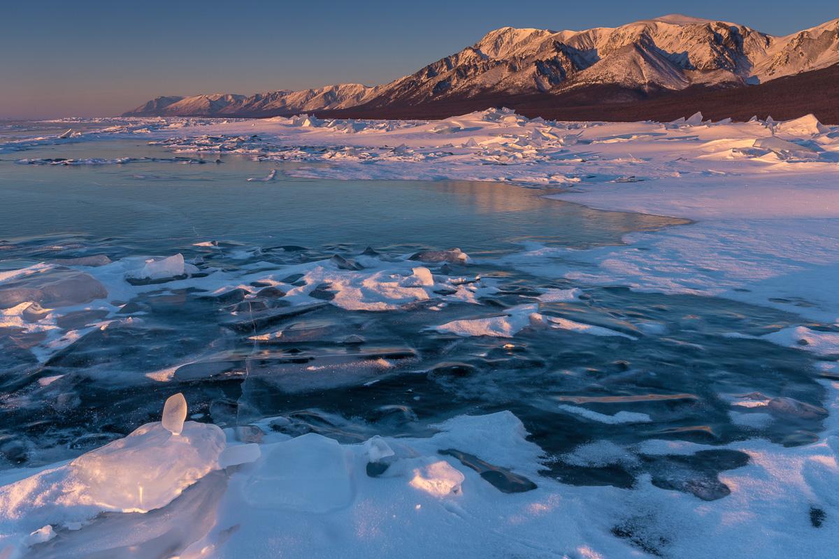 На западном берегу Байкала
