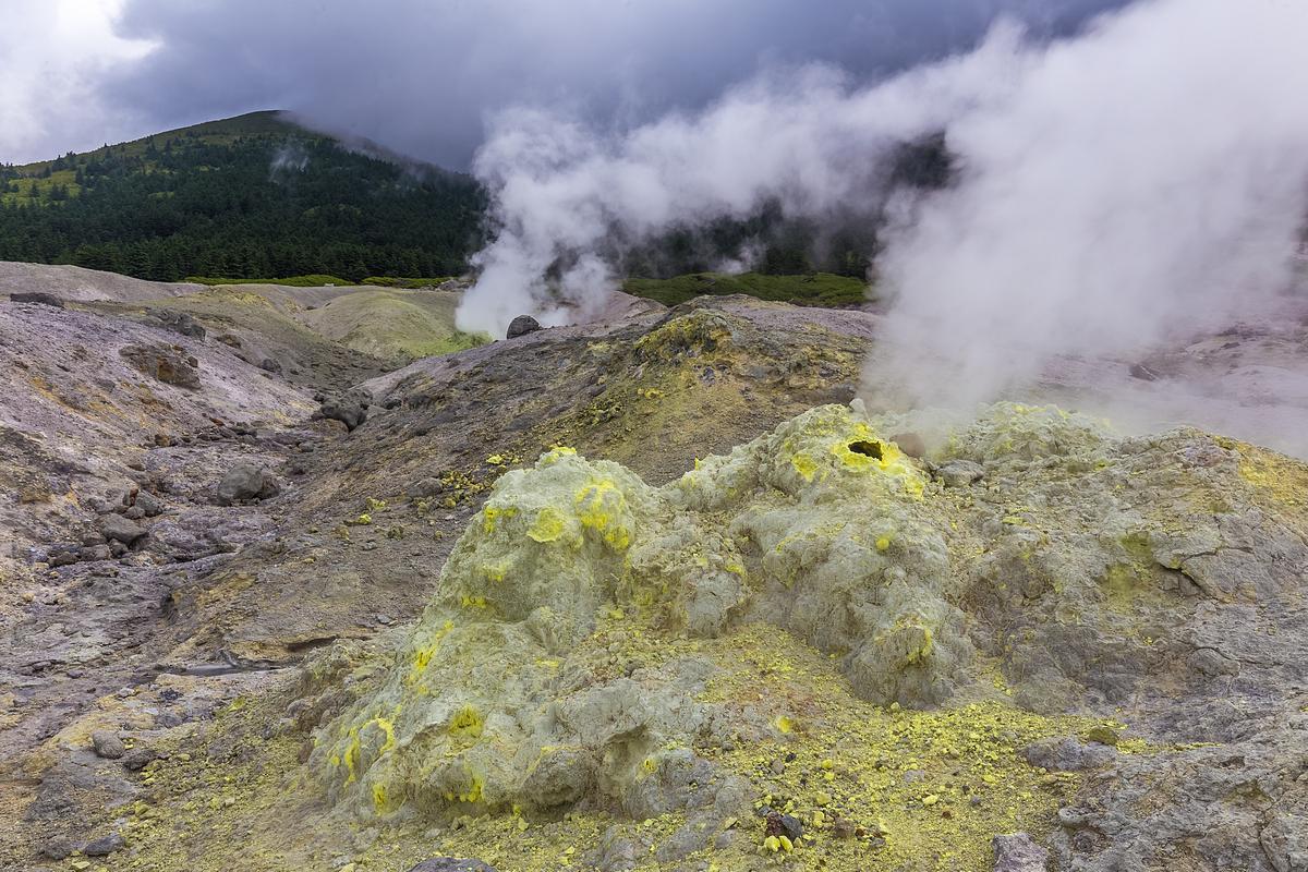 Кунашир - Фуморолы вулкана Менделеева