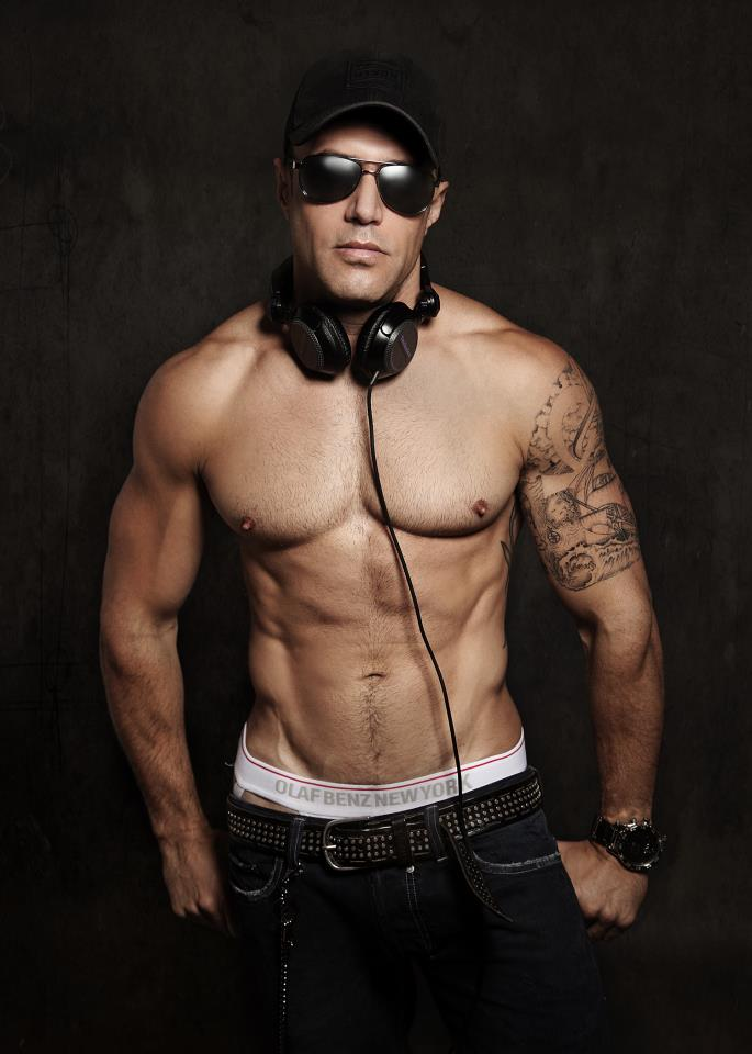 DJ Brett Henrichsen