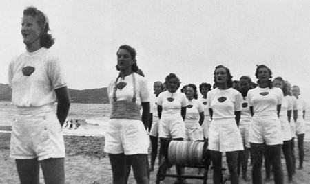 1949-1952- Our ladies Auxilliary in competition : F.Lee, P.Witter, S.Gallard, D.Thompson, K.Quigley, M.Bellamy, L.Thompson, B.Pizzy & others