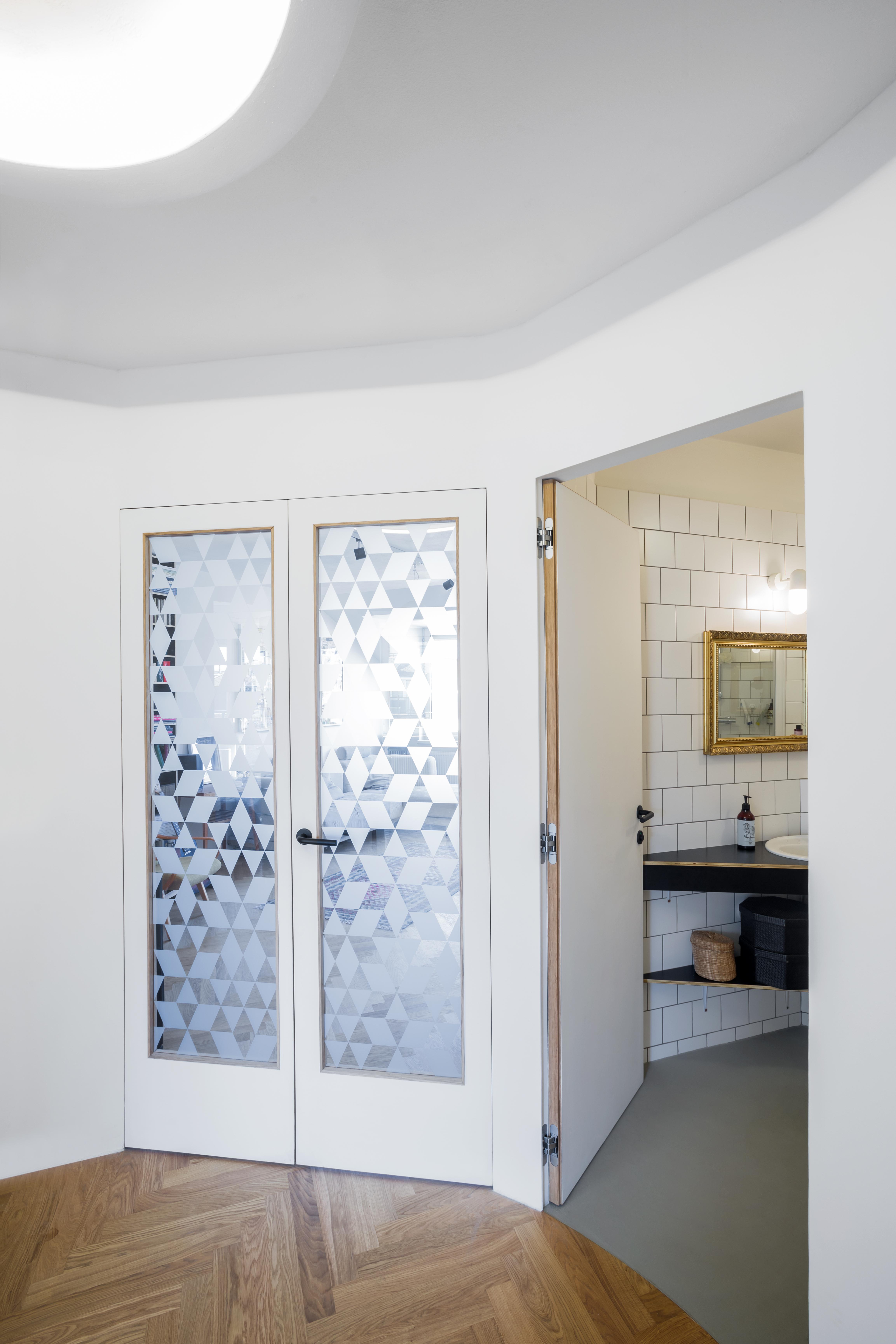 Dveře B Invsi plné a se sklem