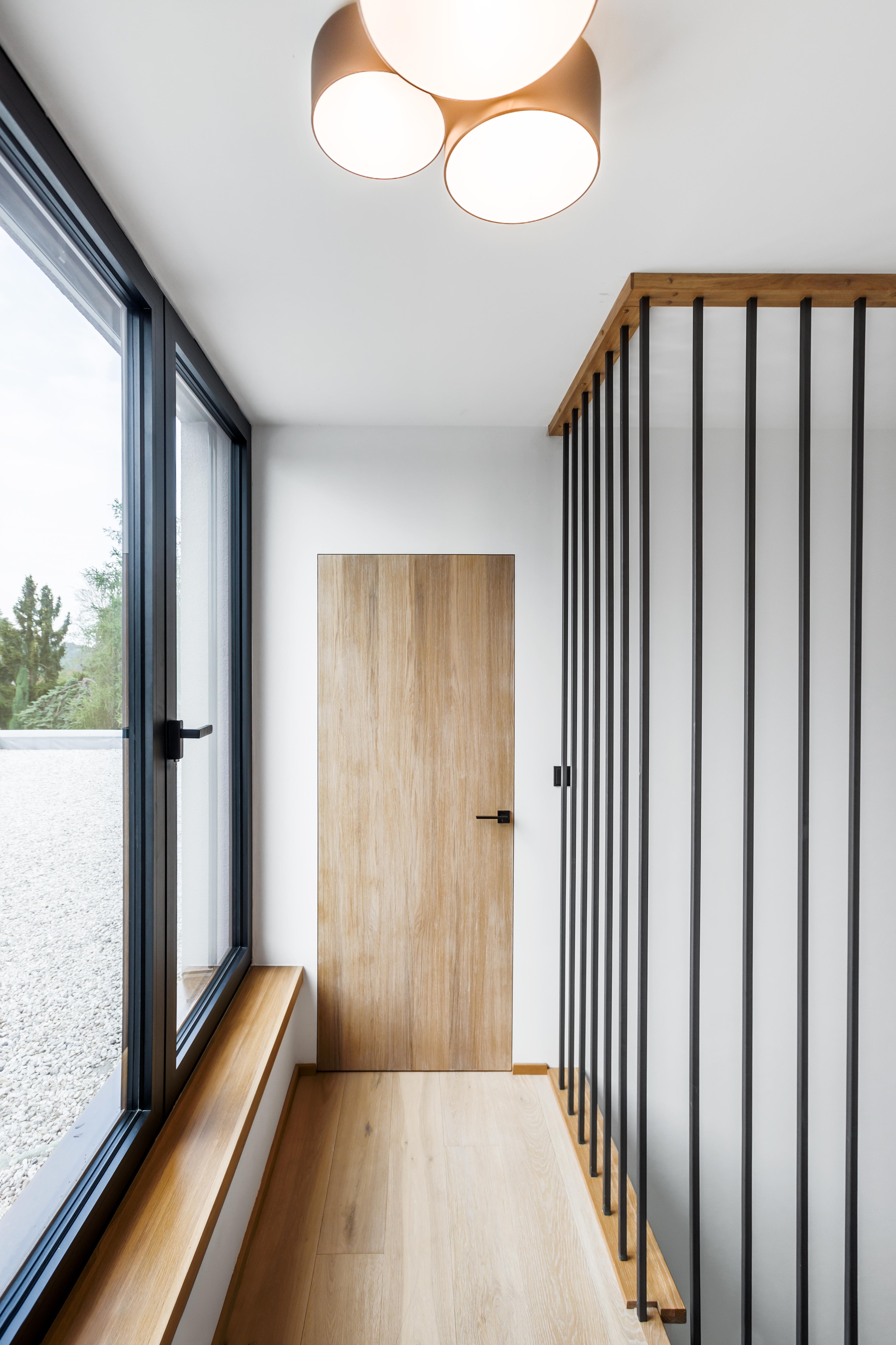 Dveře B Invsi s dubovou dýhou