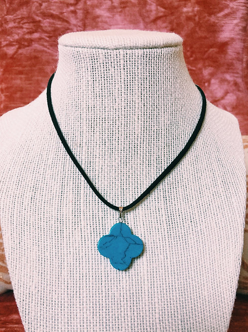 TURQUOISE SUEDE CLOVER CHOKER