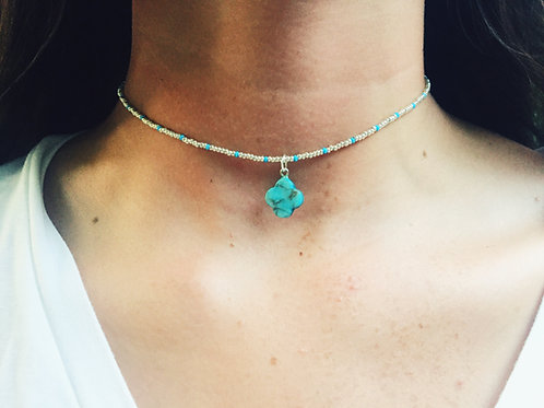 TURQUOISE CLOVER CHARM CHOKER