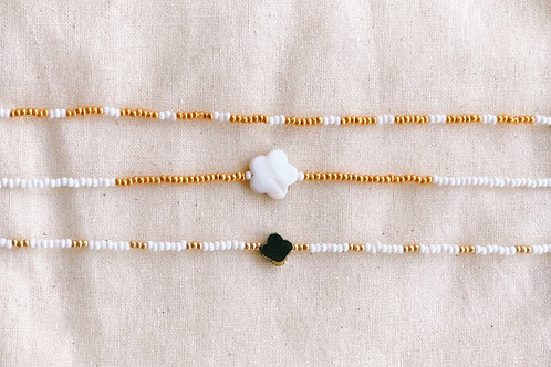 GOLD/WHITE PEARL FLOWER CHOKER (MIDDLE)
