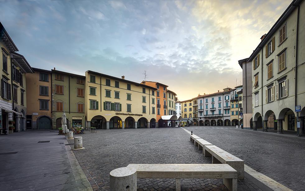Piazza Pontida