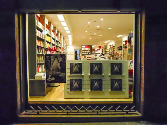 Vetrina di una libreria