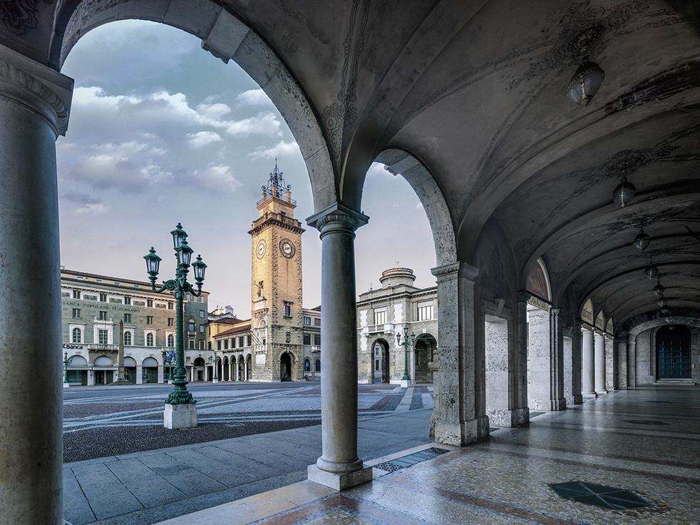 Piazza Vittorio Veneto - Torre dei caduti