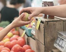 Hände-Apfel.jpg