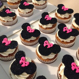 Bling Minnie Mouse bling cupcakes