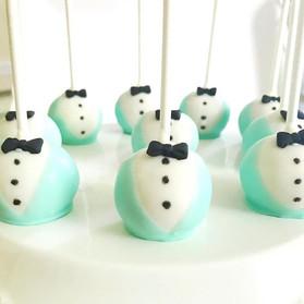 Tuxedo cake pops